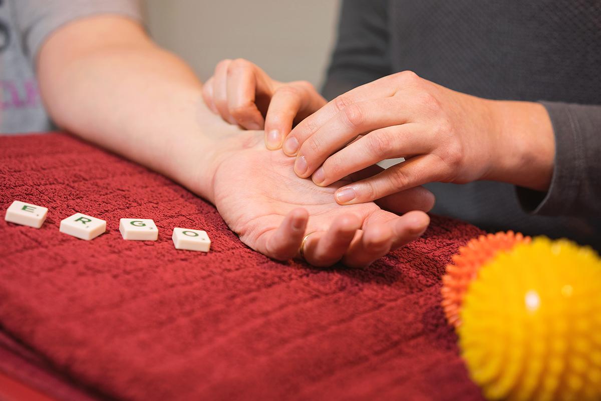 Orthopädie-Handtherapie Behandlung, Massage, Ergotherapie