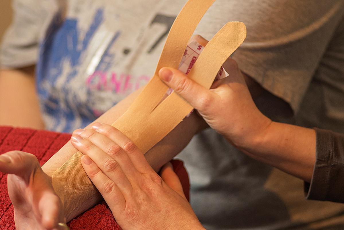 Orthopädie, Handtherapie Kinesio, Tape, Ergotherapie, Einschränkungen, Verletzungen
